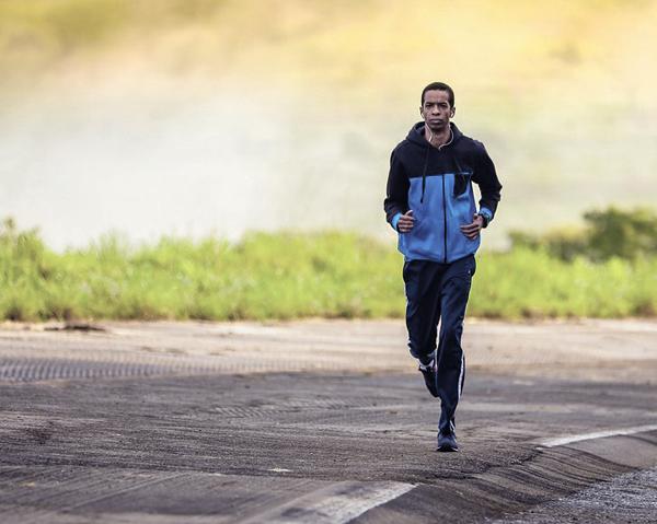 Löpning - träningsvärk efter träning kan lindras med polyfenoler från exempelvis aronia.